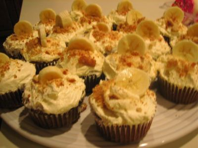 banana-cream-cupcakes.jpg